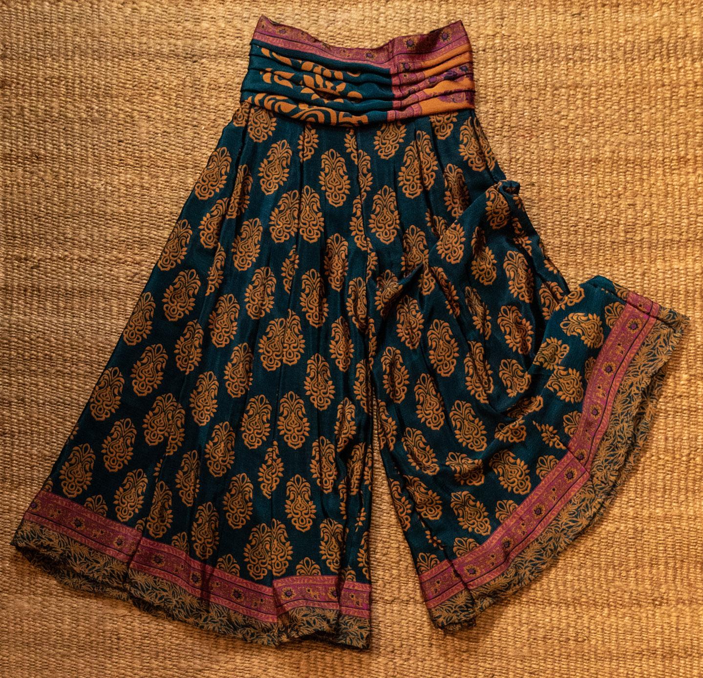 brand new 4e51d bda1d Vendita abiti indiani a San Marino, negozio d'abbigliamento ...